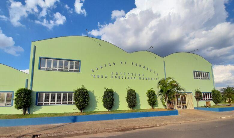 Os interessados devem comparecer ao Centro Cultural, que fica na rua Itirapina, s/n, no Jardim Cruzado - Crédito: Divulgação