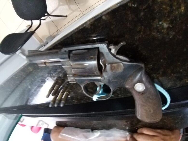 Homem morre após troca de tiros na região do Swiss Park - Crédito: Maycon Maximino