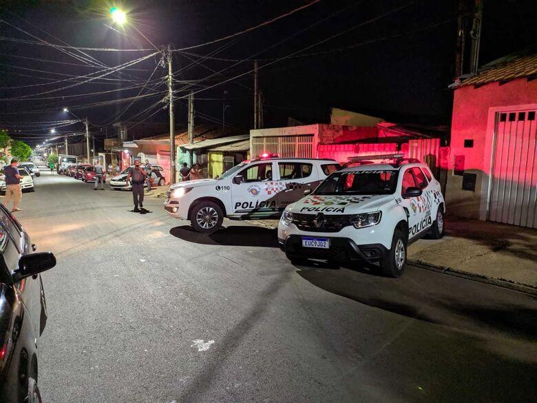Presidiário é morto a tiros na frente do filho no Cidade Aracy - Crédito: Maycon Maximino