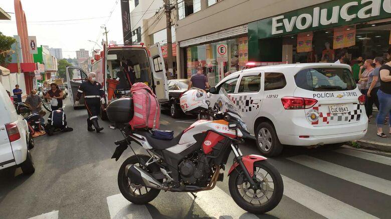 Motociclista sofre acidente no Centro - Crédito: Maycon Maximino