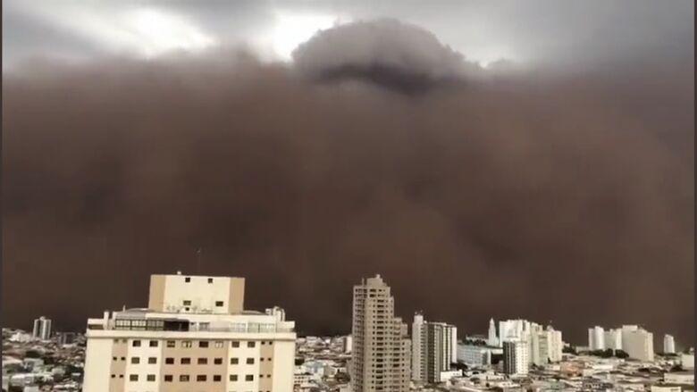 Tempestade de areia atinge cidades da região - Crédito: divulgação