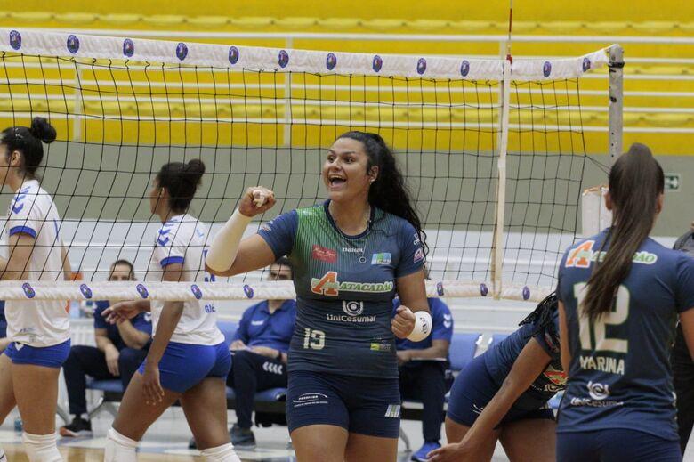Atleta do time são-carlense vibra com ponto conquistado contra Barueri - Crédito: Divulgação