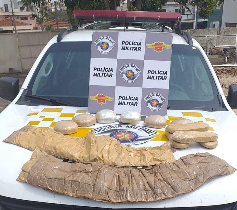 A pasta base de cocaína que estava em poder das três mulheres - Crédito: Maycon Maximino