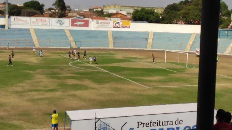 São Carlos não fez um bom segundo tempo e pagou caro: foi goleado - Crédito: Divulgação/São Carlos FC