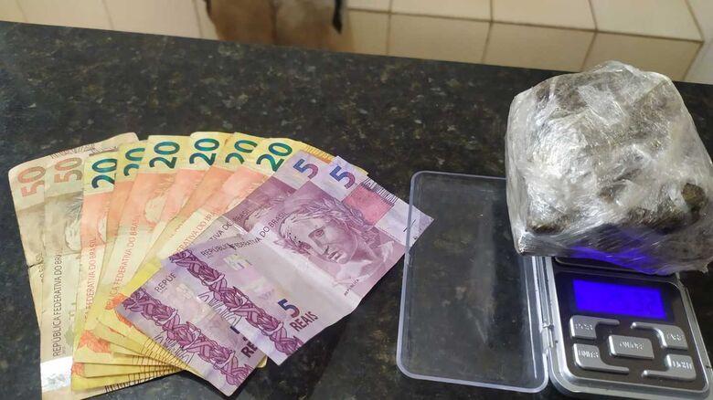 A droga que estava em poder do suspeito - Crédito: Maycon Maximino