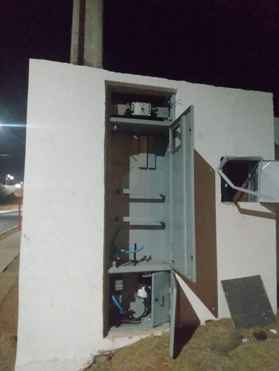 """Fiação elétrica de um local onde deverá ser um posto de saúde """"sumiu""""... - Crédito: Divulgação"""