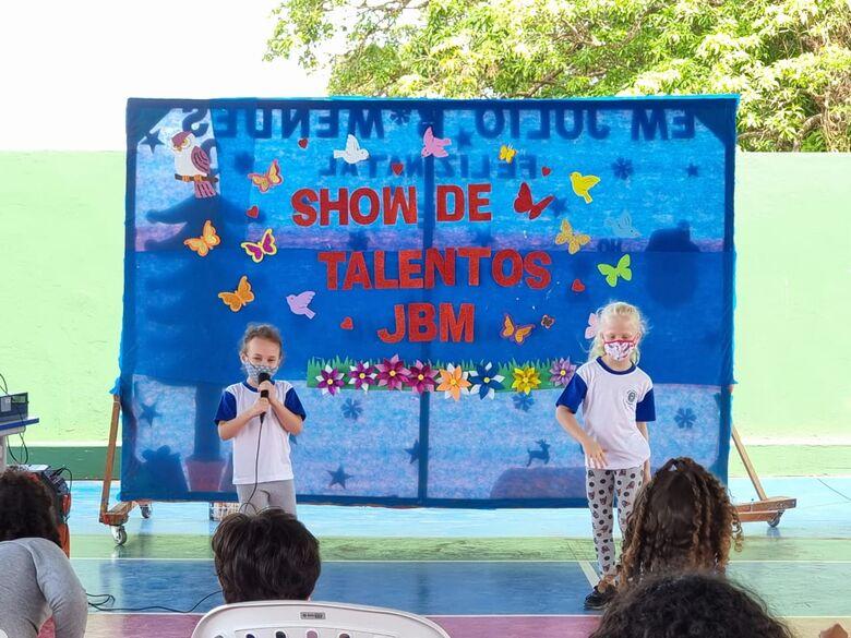 Dia das Crianças - Escola Julio Mendes, de Ibaté, teve uma programação intensa para homenagear os alunos -