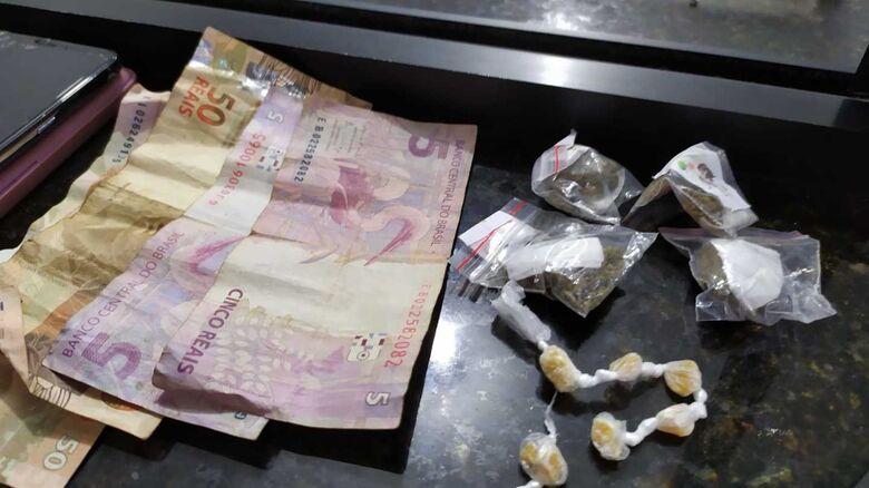 A droga que estava em posse da mulher - Crédito: Maycon Maximino
