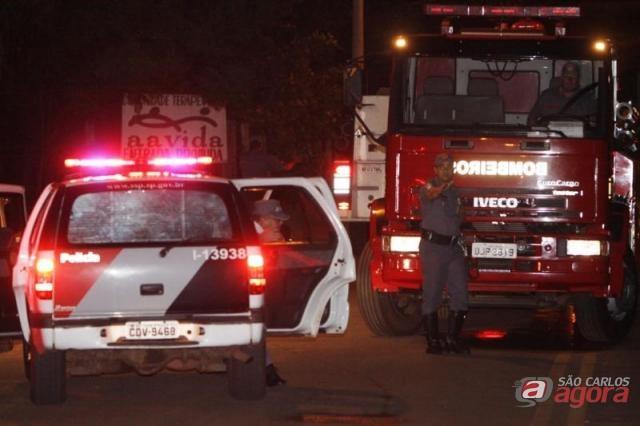 Movimentação policial em frente da Fundação Casa de Araraquara (Cláudio Dias/Araraquara.com) -