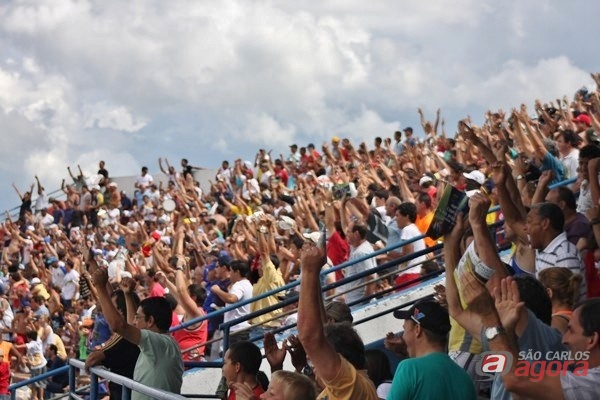 Torcida compareceu em peso para apoiar a Águia da Central (foto: pixelfotos.com.br -