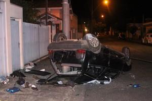 Motorista do Uno é acusado de furtar objetos de três veículos -