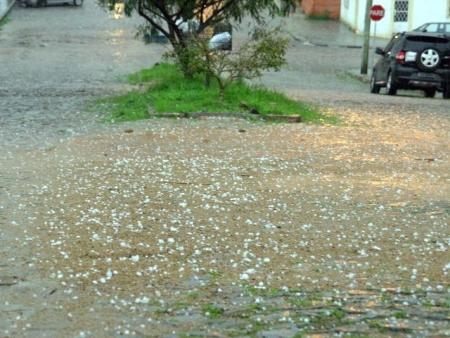 No estado de São Paulo poderá ocorrer chuva de granizo -
