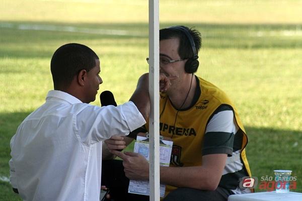 Marcelinho Carioca, diretor do América, acompanhou a partida no Luisão. (foto: Rodrigo Martarello) -