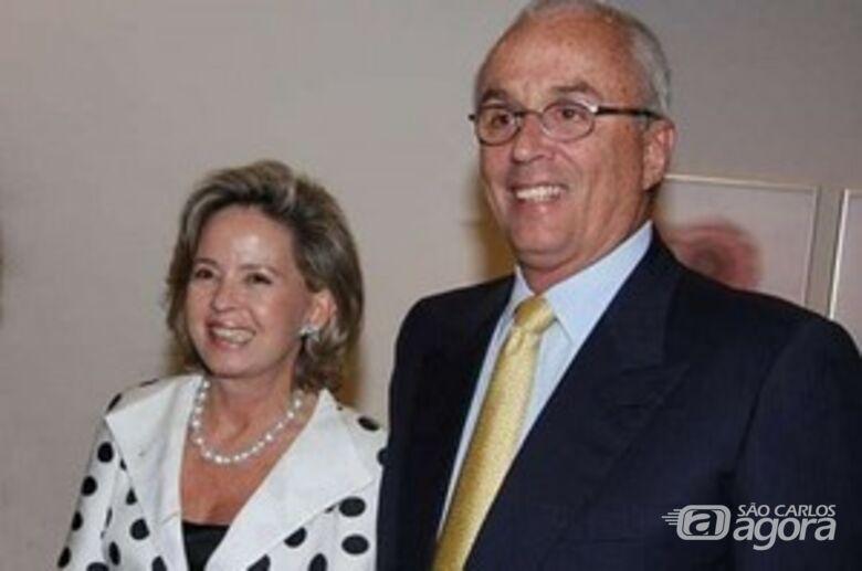 Arruda Botelho e a esposa, Rosana Camargo de Arruda Botelho. -