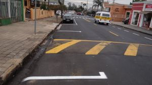 Vaga de estacionamento na Avenida Sallum geram reclamações. (Foto: Milton Rogério / SCA) -