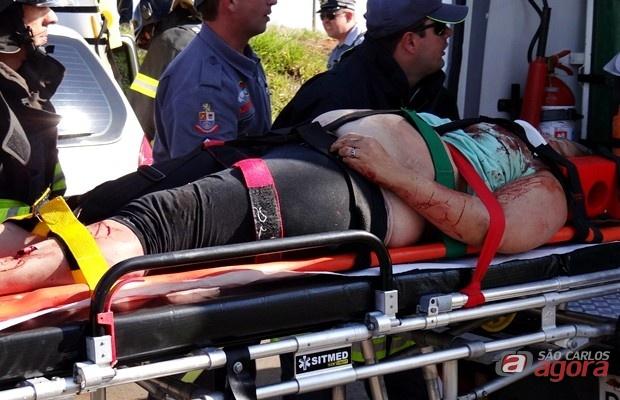 Momento em que a mulher era socorrida pelo SAMU. Foto: Milton Rogério/SCA -