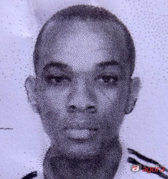 Servente foi morto com tiros de 9 milimetros na manhã desta segunda-feira. -