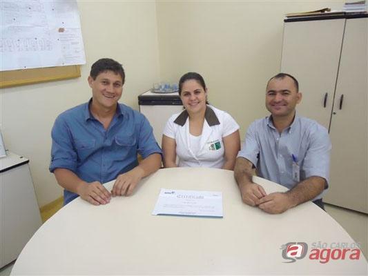 Maria Carolina Bonelli Spadacini – enfermeira; Dr. Carlos Alberto de Carvalho – médico e Luiz Carlos Bittencourt – representante da administração -
