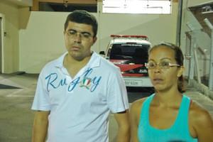 Familiares compareceram no plantão policial para registrar a ocorrência. (foto Vinicius Neo) -