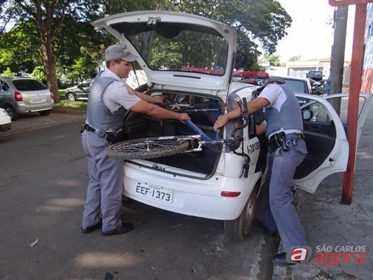 PM recupera bicicleta que foi roubada no Boa Vista (Foto: Milton Rogério) -