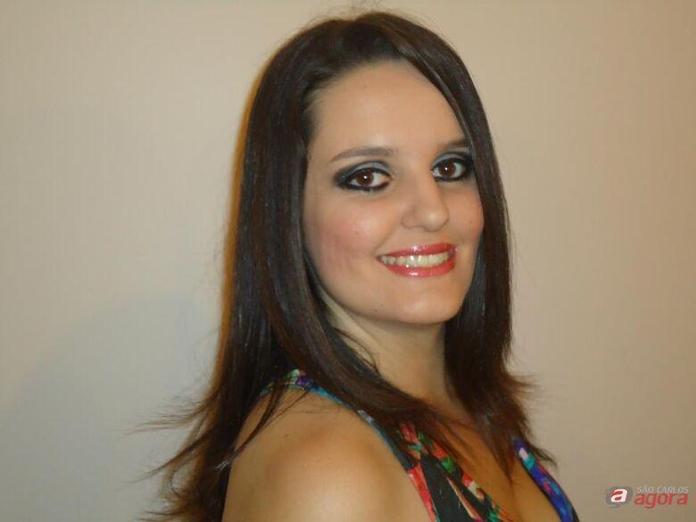 Simone Lima foi brutalmente assassinada dentro da escola. (facebook) -