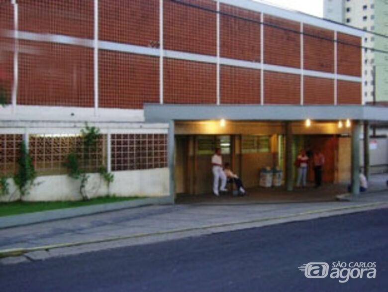 Soldado permanece internado na Santa Casa de São Carlos. -