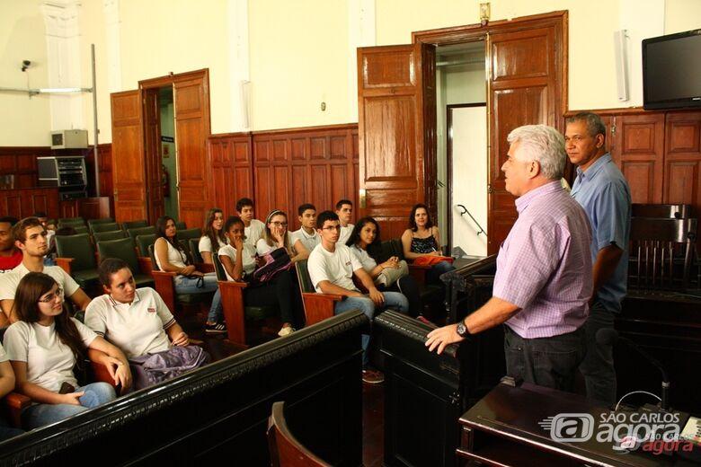 Marquinho Amaral e Lucão Fernandes receberam alunos do SESI 108. -