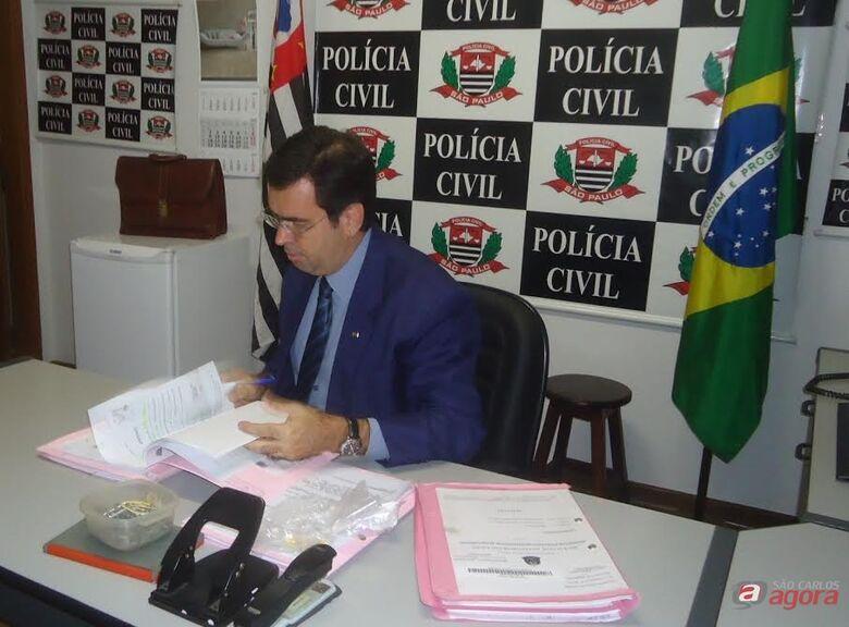 Delegado Dotta e Silva investigad o caso do falso médico. -