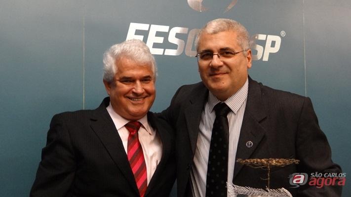 Marquinho Amaral e o novo diretor da EESC, Paulo Varoto -