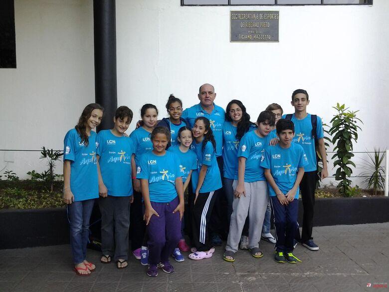 A equipe da Aquário/LCN/Bianchi que esteve em Ribeirão Preto e conquistou 16 medalhas -