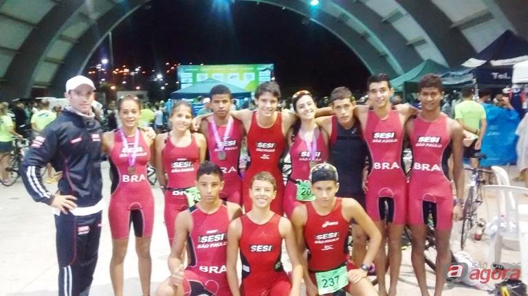 Integrantes do time são-carlense que irão integrar a seleção brasileira no Mundial Escolar de Triathlon Divulgação -
