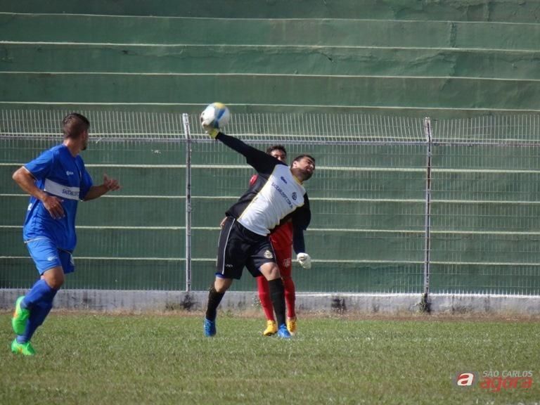Tom está invicto na meta são-carlense: em dois jogos ainda não sofreu gol / Foto: Marcos Escrivani -