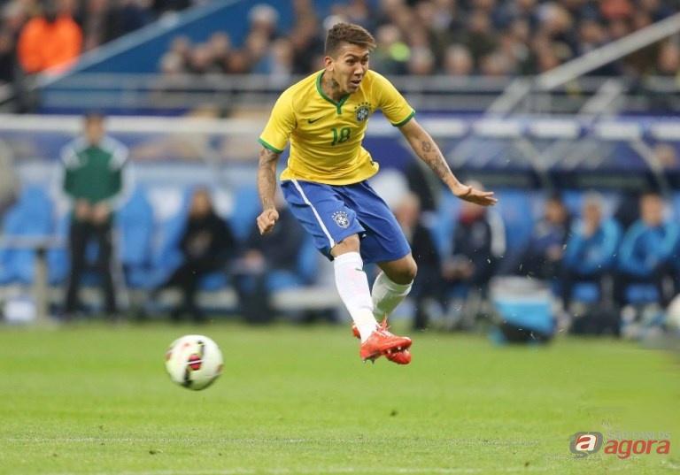 Firmino em ação. Brasil sofreu para vencer Honduras por 1 a 0. Foto: Rafael Ribeiro/CBF -