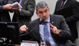 Laerte Bessa  também retirou a previsão do referendo para validar ou rejeitar a propostaFabio Rodrigues Pozzebom/Arquivo/Agência Brasil -