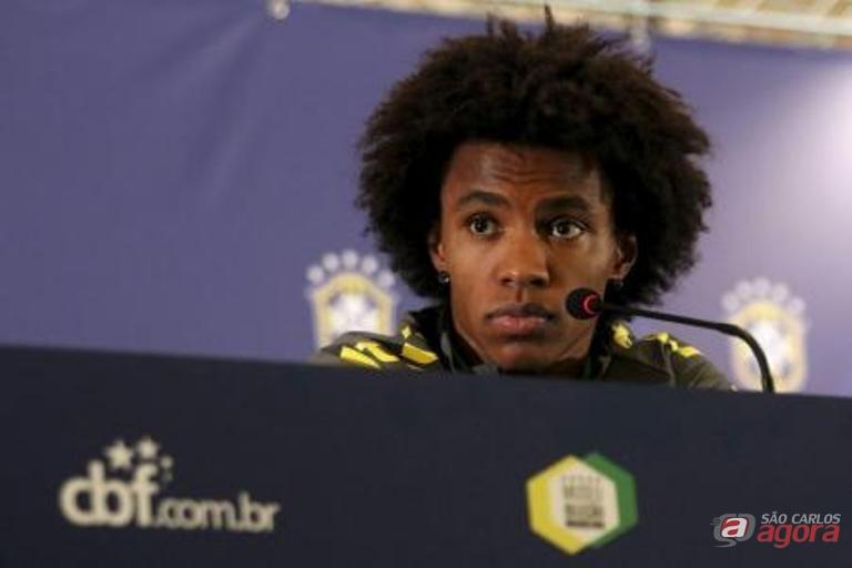"""""""Temos que jogar para cima do adversário, sem medo e buscar o controle do jogo"""", disse William. Foto Reuters/Pablo Sanhueza -"""