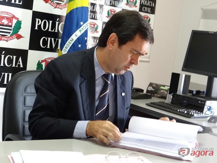 Delegado Maurício Antônio Dotta e Silva disse que Marquinho foi ouvido e negou ser médico oftalmologista e teve seus documentos furtados. (foto Pedro Maciel) -