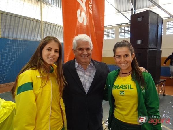 Marquinho e as triatletas de São Carlos, Ana Luiza de Sousa Mota e Luma Marucci Guillen -