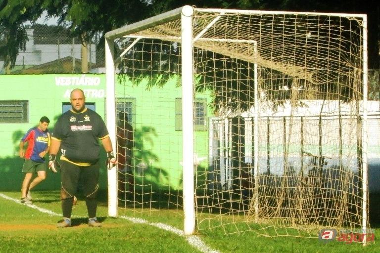 Lucão Ibelli defende o gol da Restaurando Vidas. Foto: Gustavo Curvelo/Divulgação -