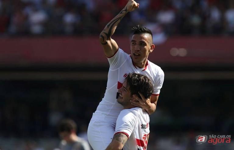 Centurion comemora com Alexandre Pato gol são-paulino. Foto: Facebook/São Paulo FC -