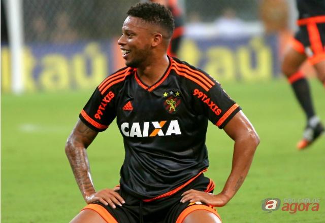 André comemora vitória do Sport em cima do São Paulo. Foto: Carlos Ezequiel Vannoni -
