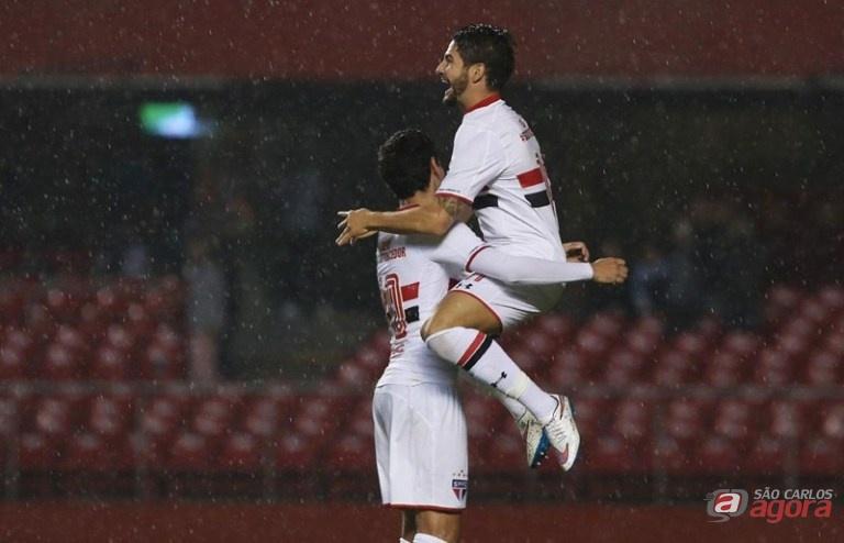 Pato está otimista e acredita que o São Paulo irá conquistar os três pontos. Foto: Rubens Chiri/saopaulofc.net -