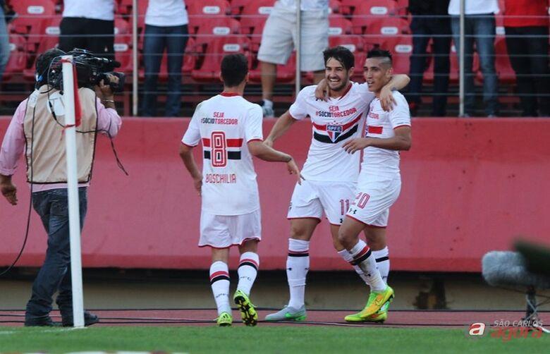 Alexandre Pato comemora gol são-paulino. Vitória importante do Tricolor. Foto: Rubens Chiri/saopaulofc.net -