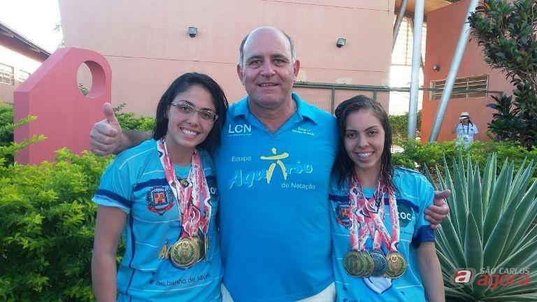 Mitcho com as irmãs Lara e Larissa comemoram a bela participação nos Regionais de Barretos. Elas defenderam Américo Brasiliense. Divulgação -