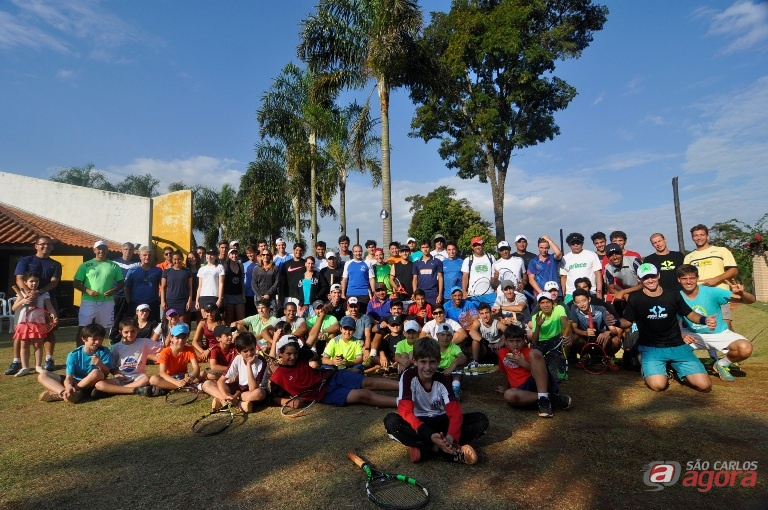 A clínica reuniu 54 tenistas, entre crianças, adolescentes e adultos, de onze estados brasileiros. Foto: Divulgação -