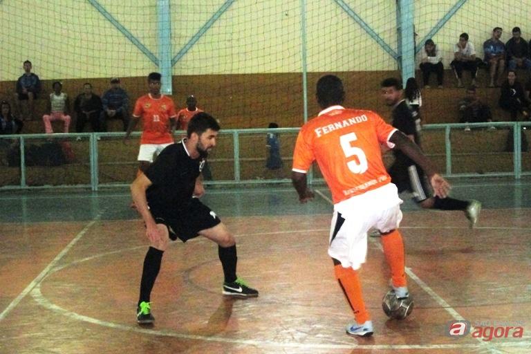 Goleiro polivalente viu sua equipe vencer a primeira na Copa Evangélica. Foto: Gustavo Curvelo/Divulgação -