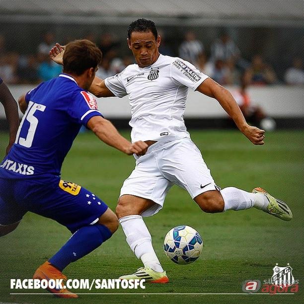 Ricardo Oliveira foi decisivo e marcou o gol da vitória santista. Foto: Facebook Santos FC -