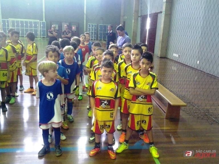 Equipes do Multi Esporte na abertura da Copa Sesc Smel. Foto: Divulgação -