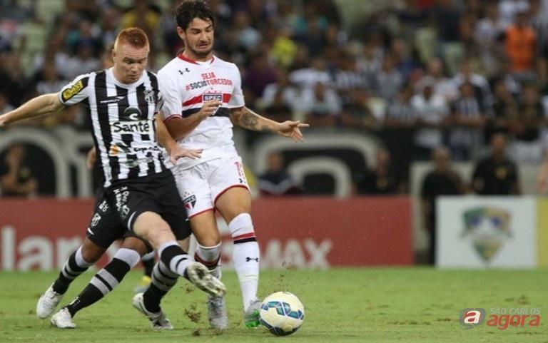 Pato marcou o terceiro gol do São Paulo. Foto: Rubens Chiri/saopaulo.net -