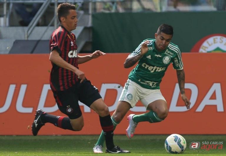 Palmeiras não reeditou o bom futebol e foi surpreendido pelo Atlético/PR no Allianz Parque. Foto: Cesar Grego/Agência Palmeiras/Divulgação -