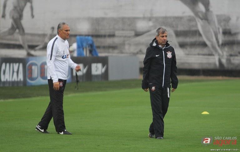 Tite observa treino e despista sobre escalação do Corinthians. Foto: agenciacorinthians.com.br -